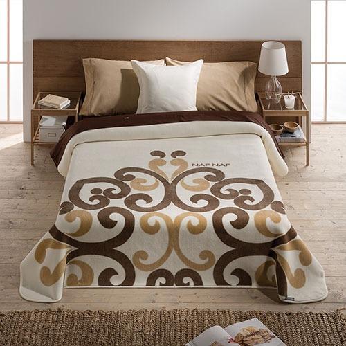 Mantas de cama Ava de Naf Naf