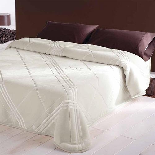 Mantas de cama Pirámide de Naf Naf